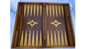Backgammon with racks walnut