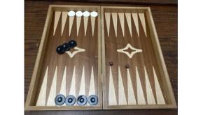 Simple mahogany backgammon set