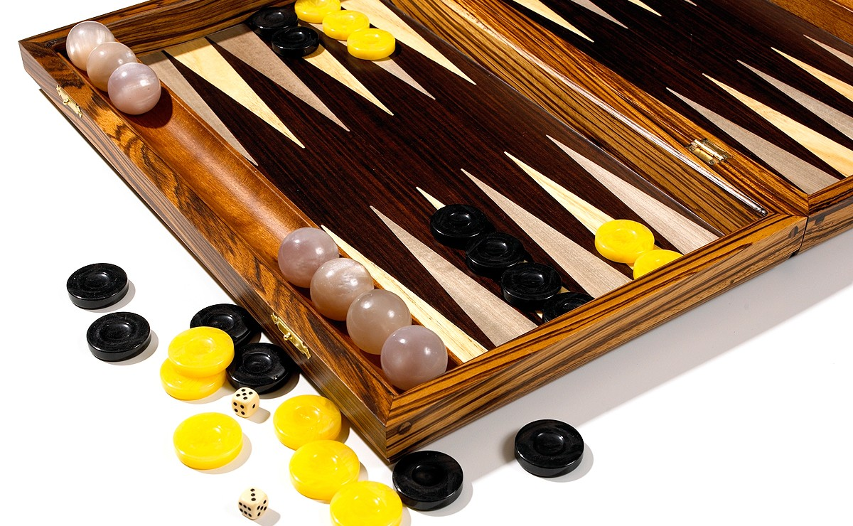 backgammon with racks and counting balls
